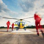 Вертолет МАЦ эвакуировал в больницу двух детей с места ДТП в Строгино
